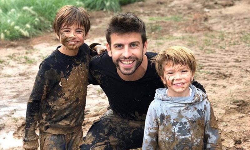¡'Pelea' en el barro! La tarde de juegos de Gerard Piqué con sus hijos Milan y Sasha