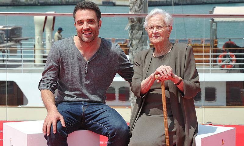 Fallece Antonia, la entrañable abuela de Daniel Guzmán que debutó en el cine a los 93 años