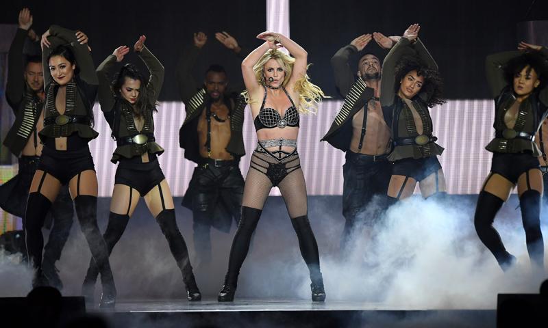Britney Spears recibe en su último concierto una visita muy especial