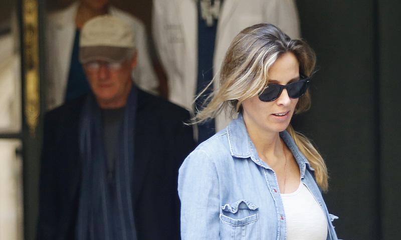 Alejandra Gere presume de embarazo por las calles de Madrid
