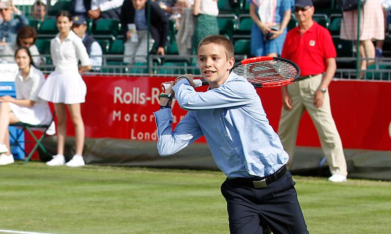 Victoria y David Beckham dispuestos a convertir a su hijo Romeo en estrella del tenis