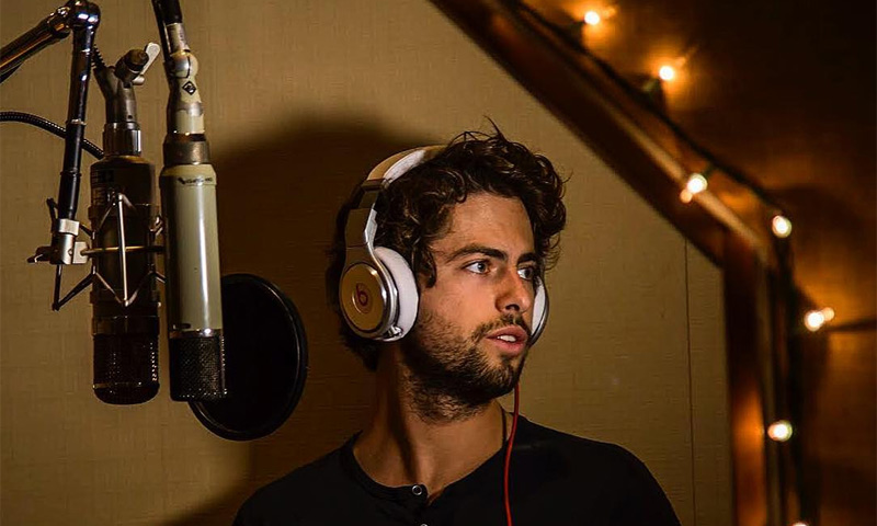 Sebastián Llosa, el sobrino cantante de Mario Vargas Llosa, lanza su primer single