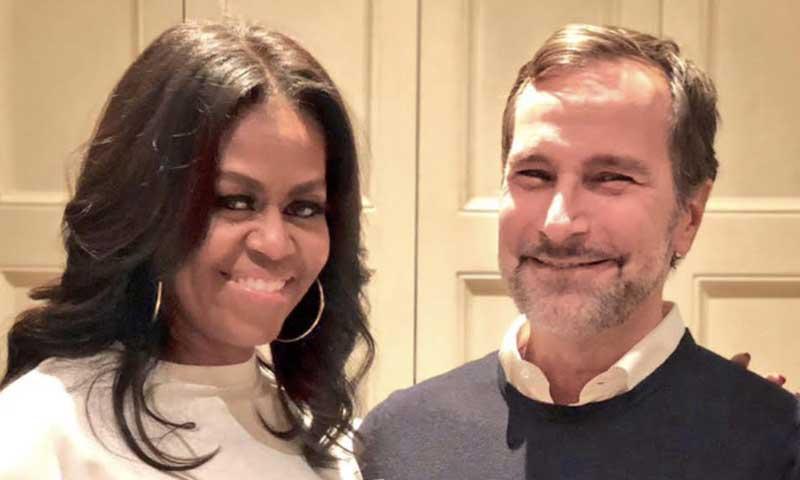 Michelle Obama y James Costos, dos buenos amigos en plena promoción de sus últimos trabajos
