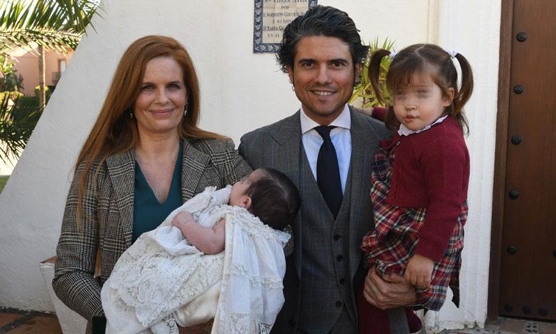 Así ha sido el bautizo de Fernando, el segundo hijo de Olivia de Borbón y Julián Porras