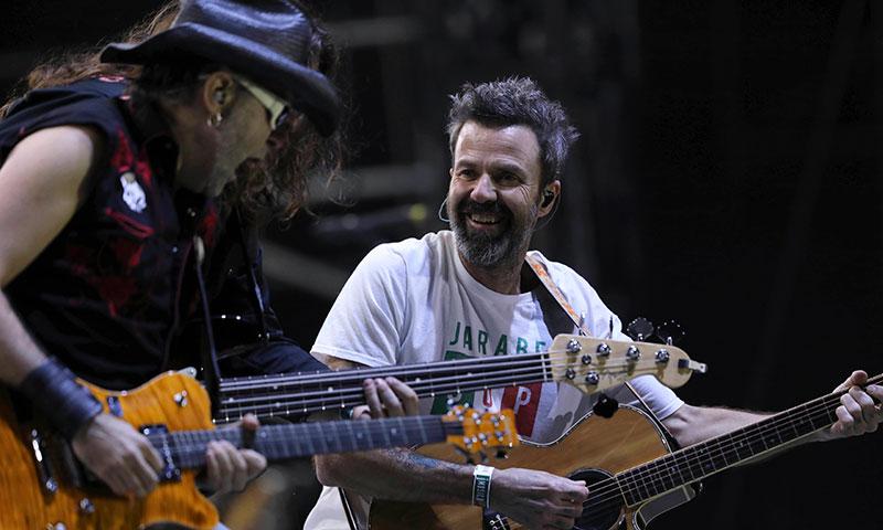Pau Donés reúne en su concierto 'Jarabe contra el cáncer' a grandes amigos y artistas