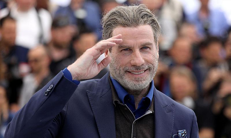 Del tupé a estar rapado al cero: el impactante cambio de look de John Travolta
