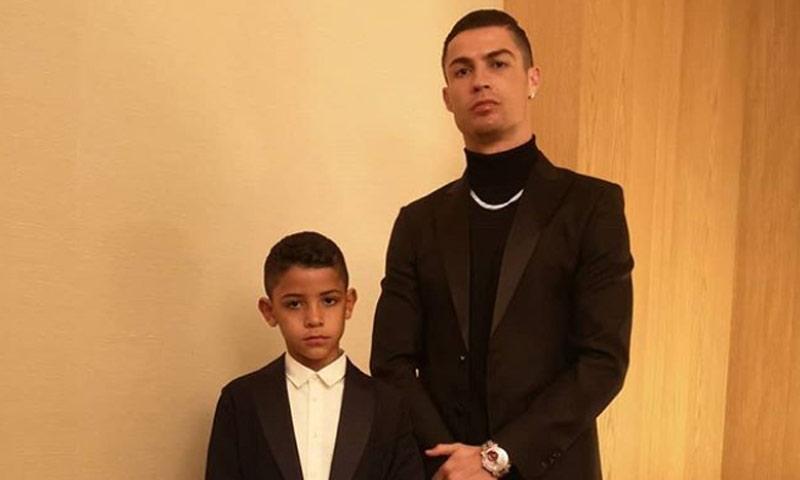 Cristiano Ronaldo Jr., un pequeño 'clon' de su padre: estas imágenes lo demuestran