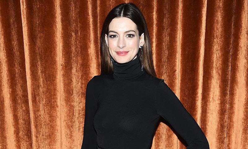 ¡Primer flechazo! El hijo de Anne Hathaway está 'enamorado' de Camila Alves