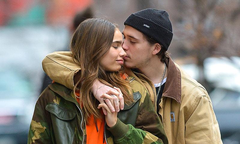 Hana Cross nunca se olvida de su novio, Brooklyn Beckham, gracias a este colgante