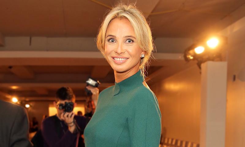 La princesa Corinna reaparece en Moscú junto a un gran amigo de Vladímir Putin