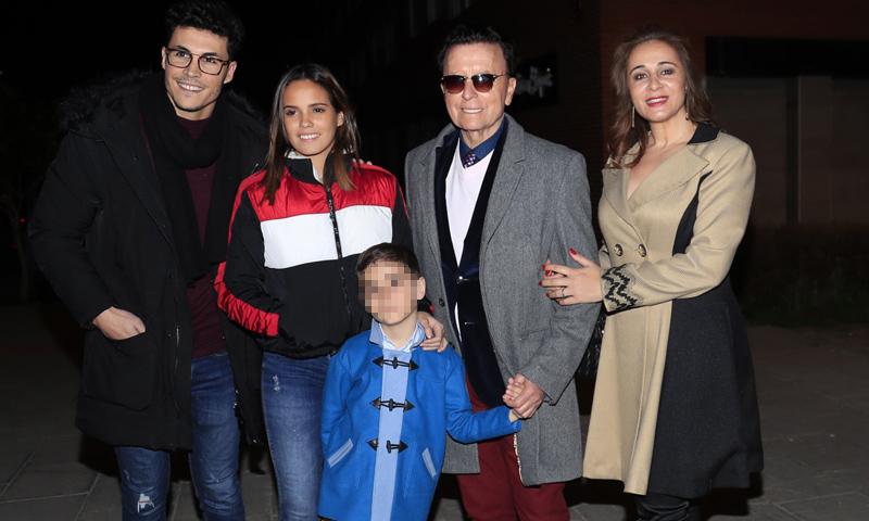 José Ortega Cano celebra el sexto cumpleaños de su hijo rodeado de la familia y con mascota incluida