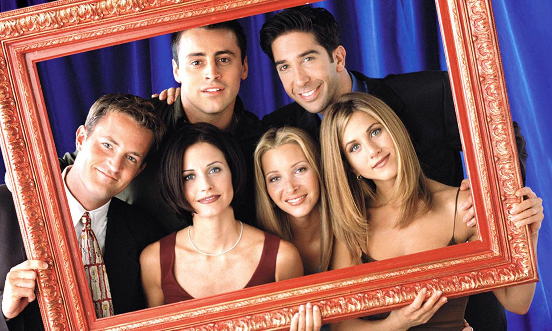 Courteney Cox recrea en su propia casa una célebre escena de 'Friends'
