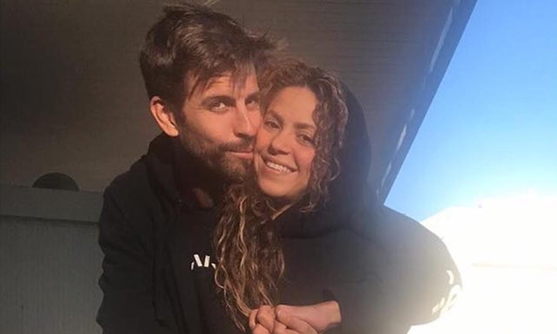 ¡Con mimos incluidos! Shakira y Piqué, la viva imagen de la felicidad mientras lavan el coche