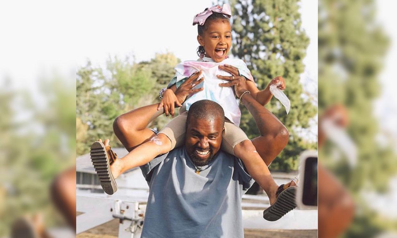 North West sigue los pasos de su padre Kanye y se anima a cantar durante el 'Sunday Service'
