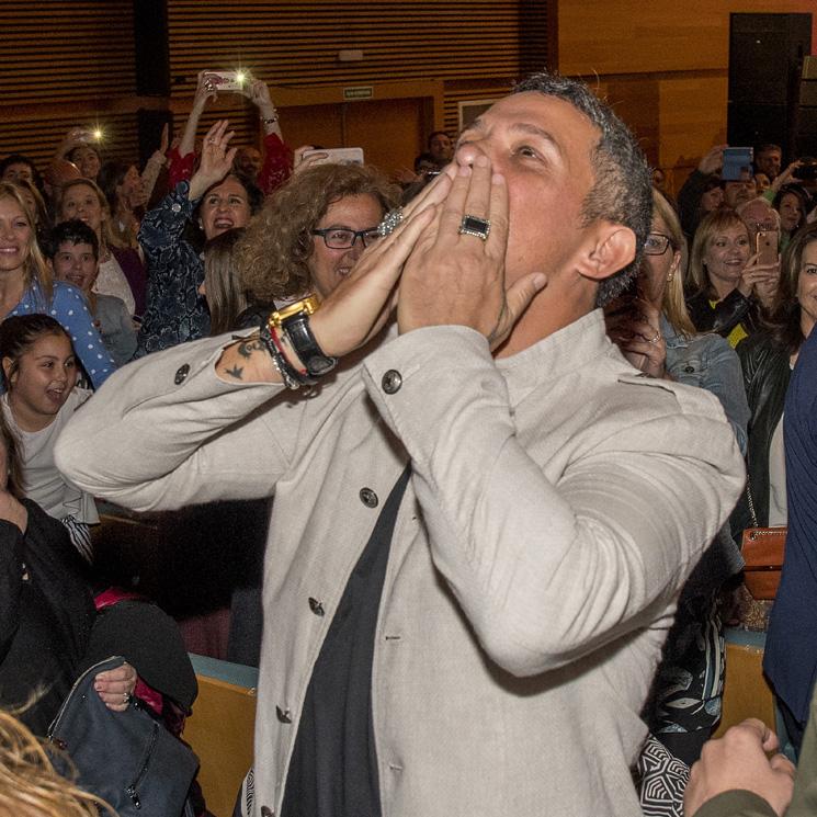 Alejandro Sanz revoluciona Cádiz al recoger el título de Hijo Adoptivo de la ciudad