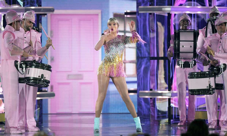¿Inspiración o coincidencia? Taylor Swift, comparada con Beyoncé por su actuación en los Billboard