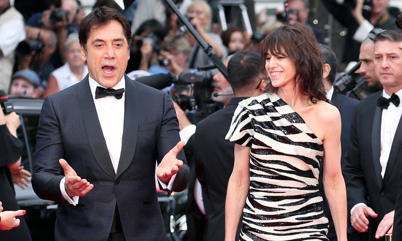 El baile de Javier Bardem, la elegancia de Nieves Álvarez y el colorido de Almodóvar ponen el acento español en Cannes
