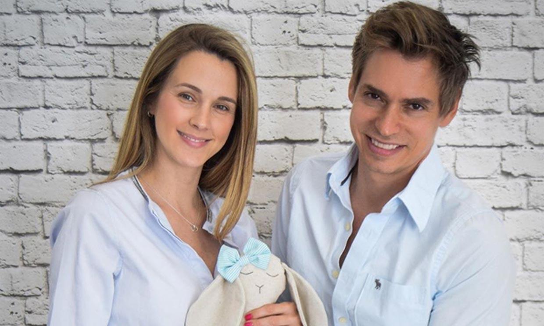 ¿Niño o niña? Carlos Baute y Astrid Klisans dan pistas del bebé que esperan con su última ecografía