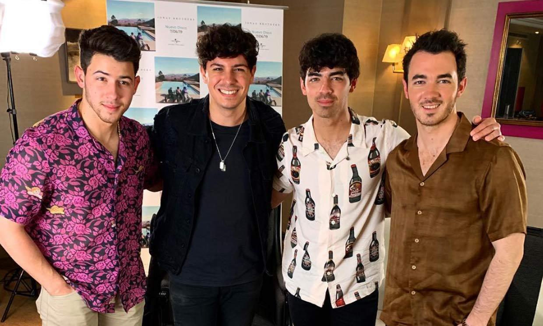 Alfred García revoluciona a sus fans, ¿qué hacía con los Jonas Brothers?