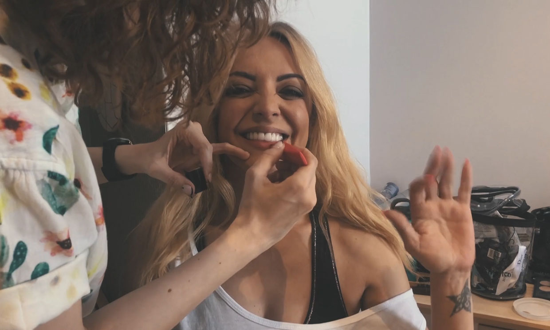 Merche avanza un nuevo videoclip en el que sale su pareja, Arturo Requejo
