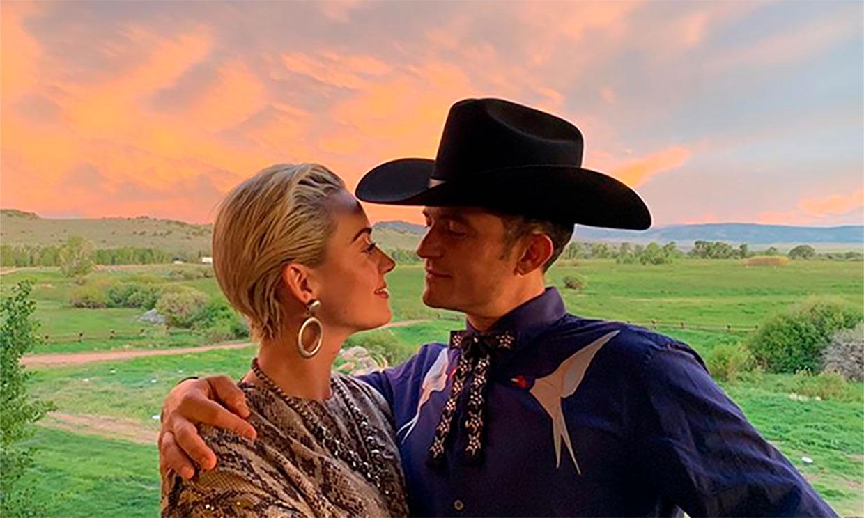 Katy Perry y su 'cowboy' Orlando Bloom en la fiesta de boda de Karlie Kloss