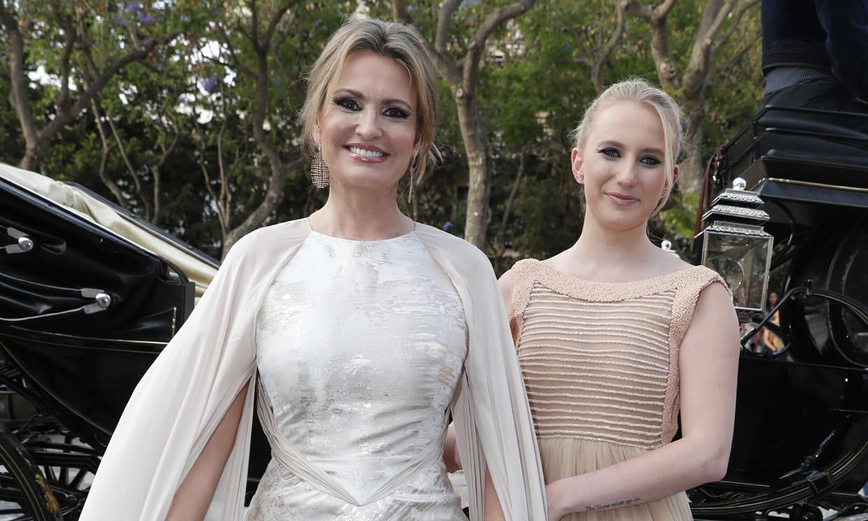 En ¡HOLA!: Ainhoa Arteta, una novia acompañada por una dama de honor muy especial, su hija Sarah