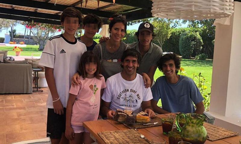 Raúl González celebra su 42 cumpleaños junto a su familia antes de enfrentarse a su nuevo reto
