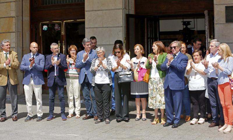 Gijón, tierra natal de Arturo Fernández, se vuelca en el último adiós al actor