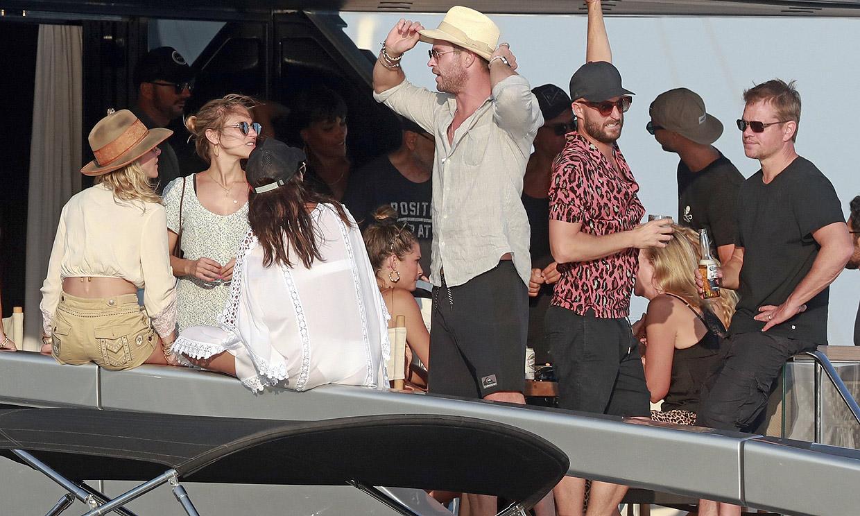 Elsa Pataky y Chris Hemsworth, de vacaciones con Matt Damon en Ibiza