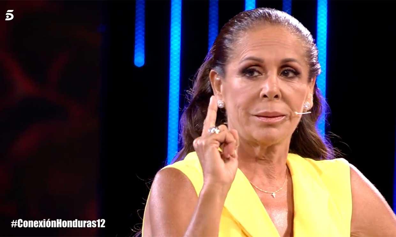 Isabel Pantoja, muy dolida, se niega a volver a hablar con Mónica Hoyos