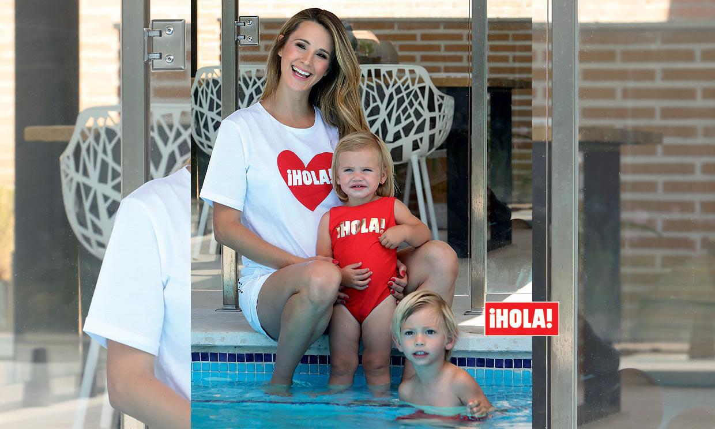 En ¡HOLA!, Astrid Klisans posa con sus dos hijos y nos anuncia si el tercero será niño o niña