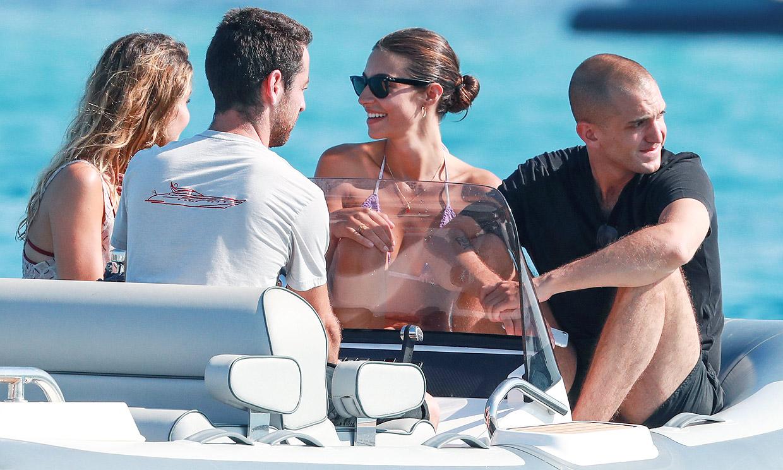 Rocío Crusset y Maggio Cipriani disfrutan en Ibiza de su primer verano juntos