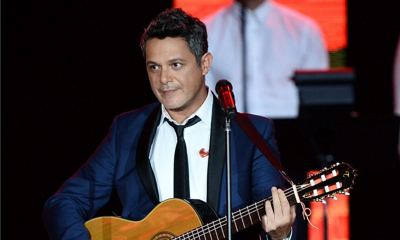 El tierno vídeo de Alejandro Sanz junto a su hijo tocando la guitarra