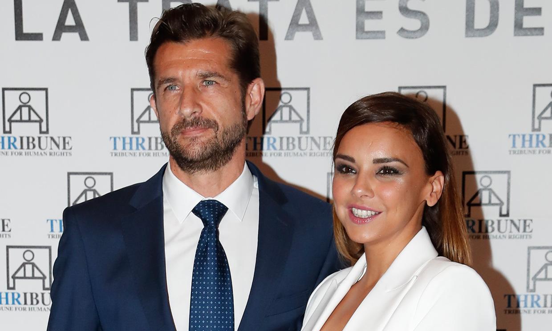 Chenoa y Miguel Sánchez Encinas muy cariñosos en una 'cena de parejas' con compañeros de OT