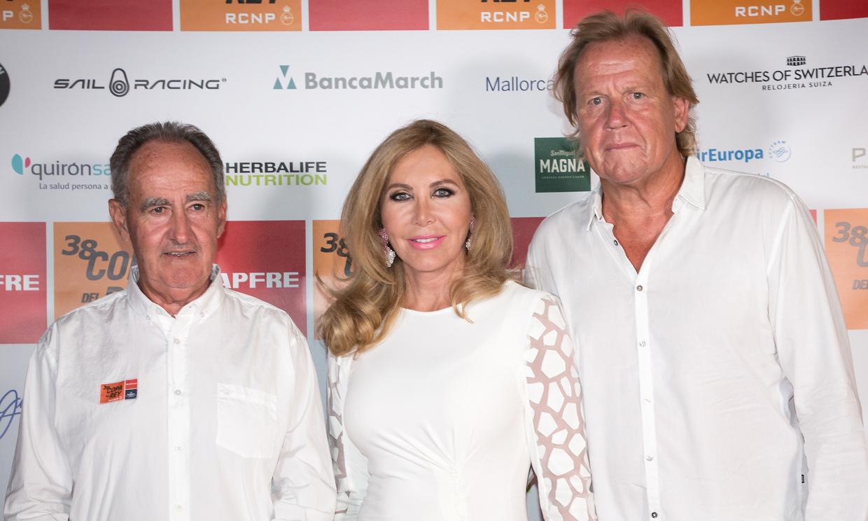 Palma se viste de blanco para celebrar la Cena de Armadores de la Copa del Rey MAPFRE de Vela