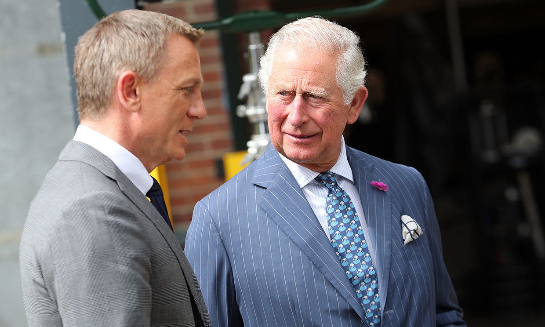El príncipe Carlos, tras los pasos de su madre como parte del elenco de James Bond