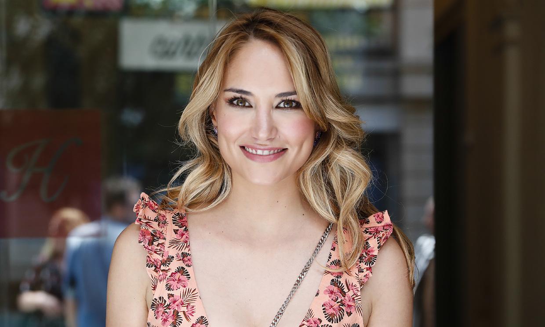 La reacción de Alba Carrillo a los rumores que la relacionan con el presentador Santi Burgoa