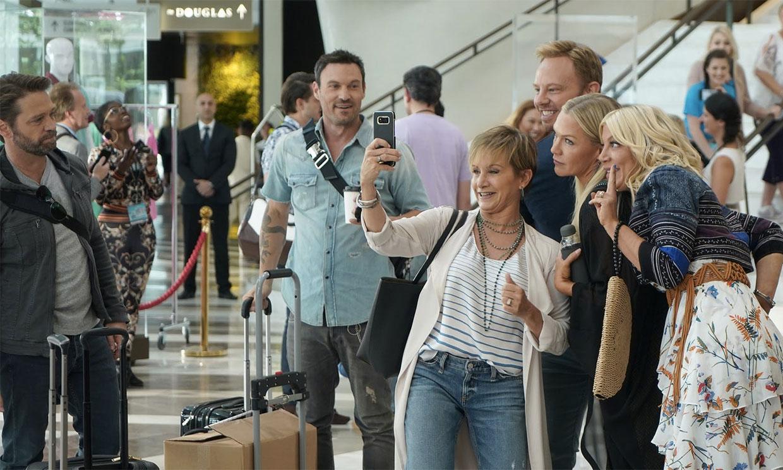 Los actores de 'Sensación de Vivir' homenajean a Luke Perry en el primer capítulo de 'BH90210'