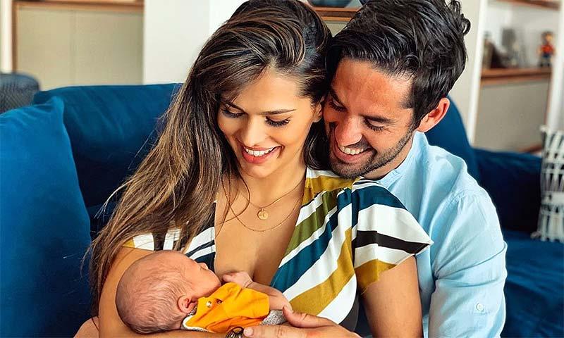 El motivo por el que el bebé de Sara Sálamo e Isco Alarcón tiene a sus papás alucinados