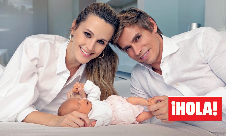 Exclusiva en ¡HOLA!: Carlos Baute y Astrid y su familia numerosa en tiempo récord: tres hijos en tres años