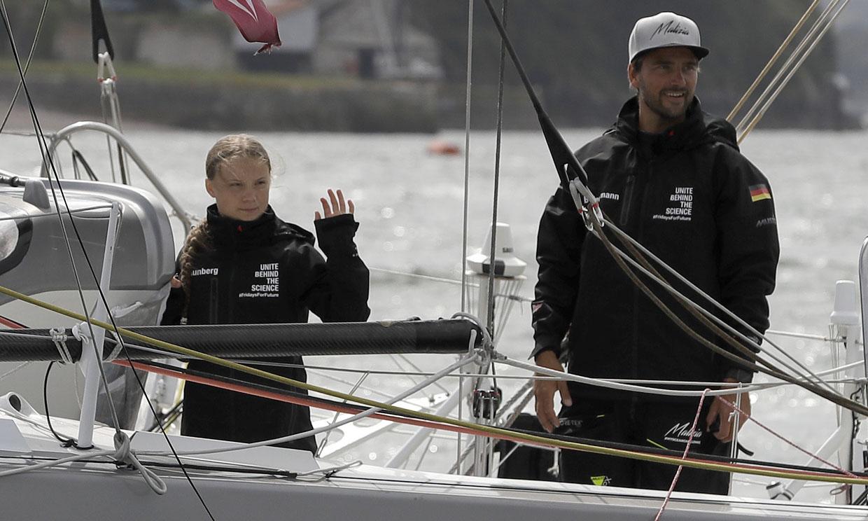 La travesía de Pierre Casiraghi y Greta Thunberg por el Atlántico se convierte en 'una montaña rusa'