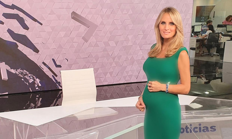 Entrevistamos a Angie Rigueiro, la presentadora del informativo matinal de Antena 3 que está a punto de dar a luz