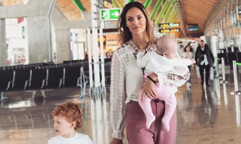 Helen Lindes, de la pista de baloncesto... a la de despegue para volar a Canarias con sus niños