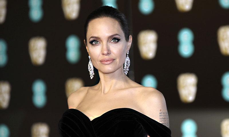 Angelina Jolie se hace 'youtuber', ¡no olvides suscribirte a su canal!