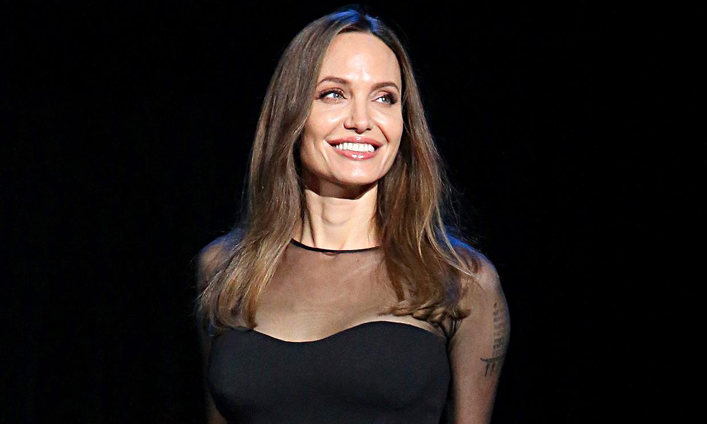 Angelina Jolie, una madre 'fuerte y resiliente' que se deja mimar por sus hijos adolescentes