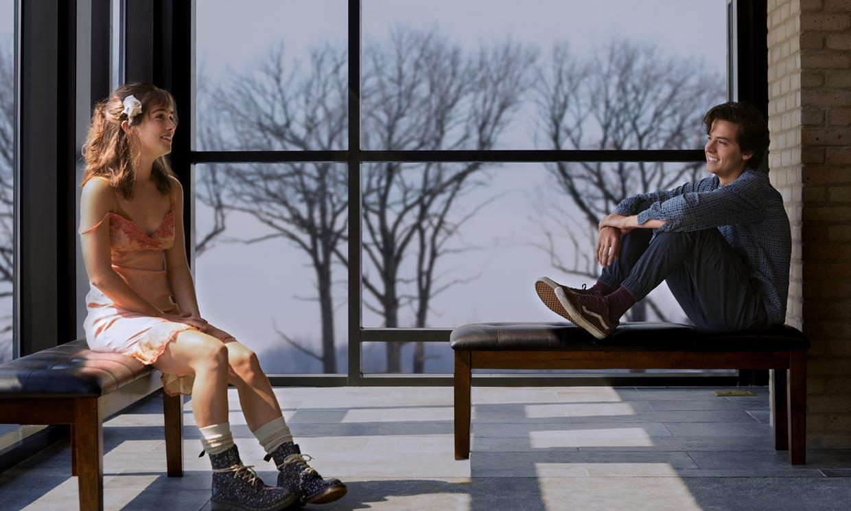 EXCLUSIVA: así es el papel de Cole Sprouse, el hijo de Ross en 'Friends' en 'A dos metros de tí' ¡cómo ha cambiado!