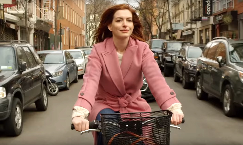 La nueva serie de Anne Hathaway, al más puro estilo 'Love Actually'