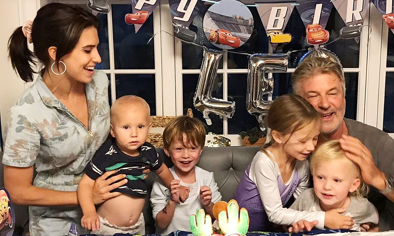 Hilaria y Alec Baldwin esperan su quinto hijo menos de un año después de perder a su bebé