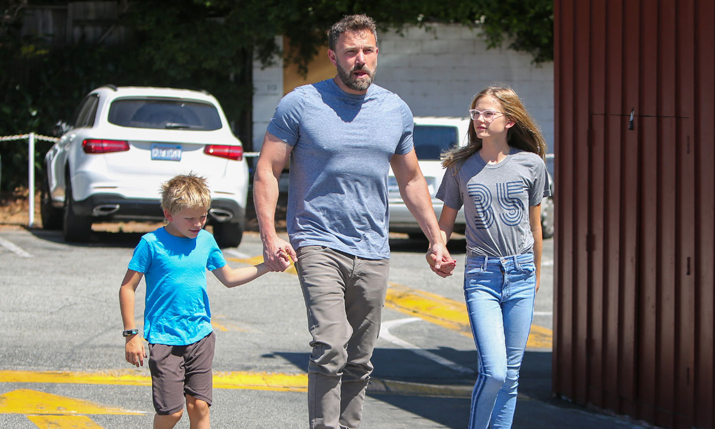 Ben Affleck se refugia en sus hijos tras conocer el nuevo romance de su ex Lindsay Shookus