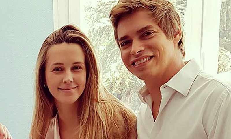 Álisse, la hija de Carlos Baute y Astrid klisans, cumple dos meses y la familia se vuelca con la pequeña